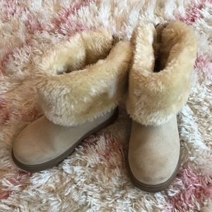 Brand new toddler girl boots with fur